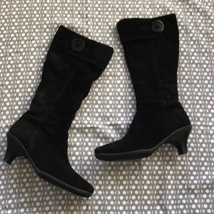La Canadienne Black Insulated Suede Boot